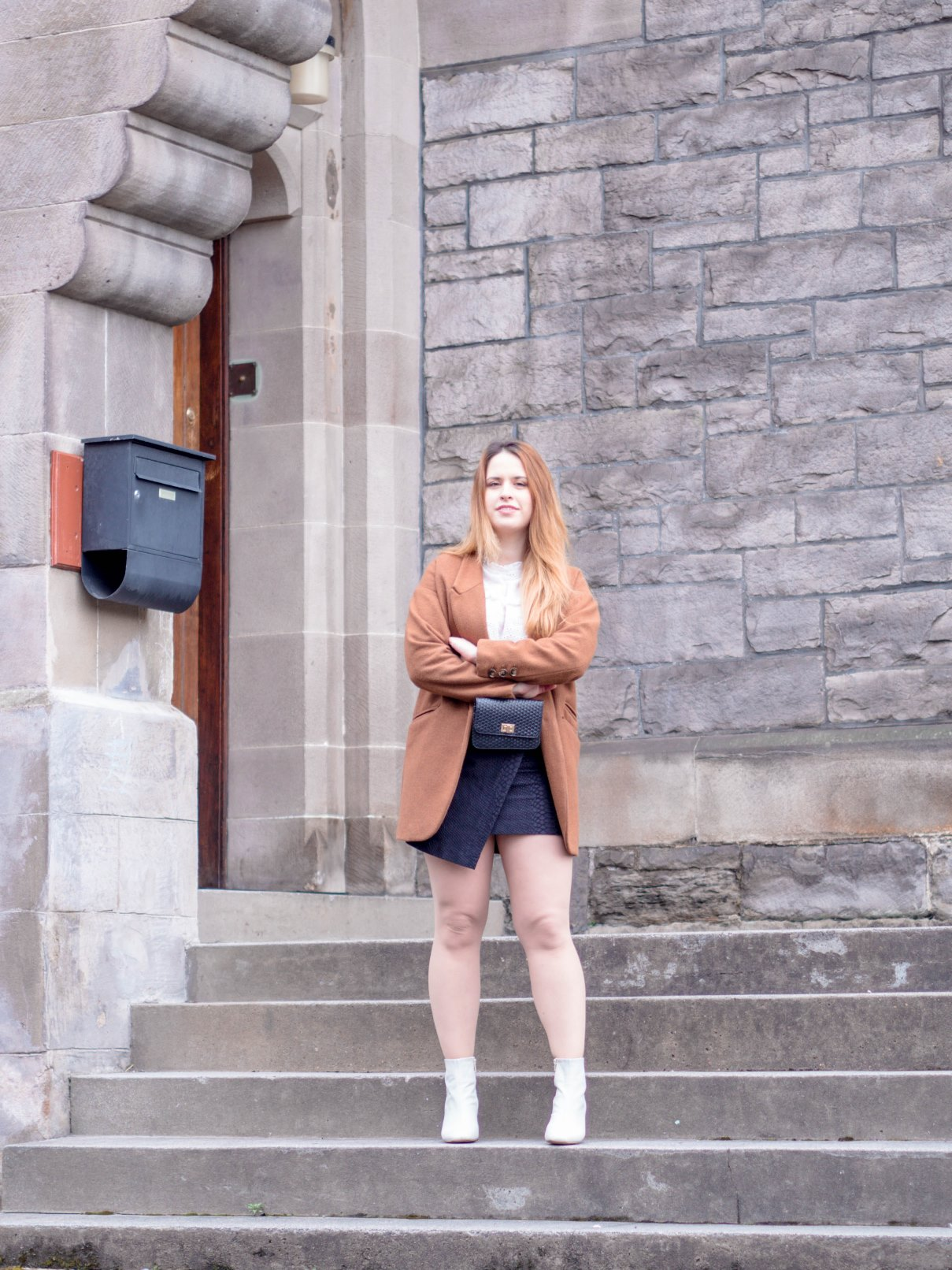 Fashion-Revolution-thrifted-blazer-black-bag-blogger-sustainable
